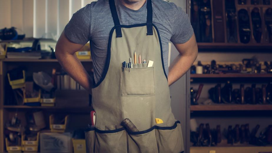 carpenter wearing apron
